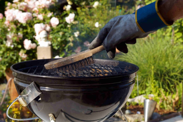 How To Clean Your Grill Pan When Camping Outdoors